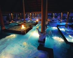 Wow now that's a pool http://directrooms.com/world/hotels.htm