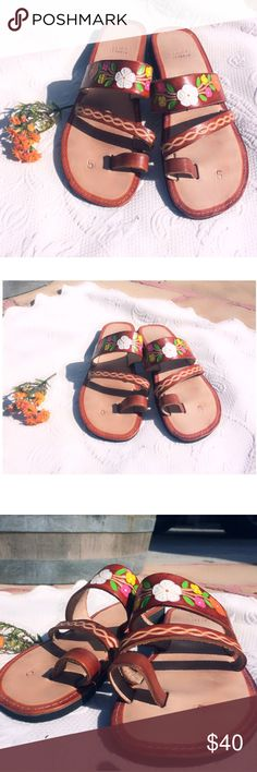 Leather Huarache Sandals/ Boho style Women's genuine leather hand painted sandals. They are high quality sandals with original technique. They are in excellent condition and perfect for the current and next season! size 5 in Mexico is size 8 in the U.S Shoes Sandals