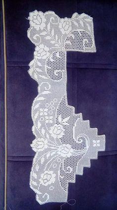 Grepi me trendafil Free Crochet Doily Patterns, Crochet Borders, Filet Crochet, Baby Knitting Patterns, Crochet Designs, Crochet Doilies, Embroidery Motifs, Antique Lace, Festival Decorations