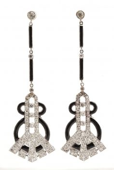 Diamond, enamel and platinum earrings.                                                                                                                                                                                 Más