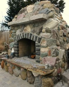 wood fired pizza oven/ grill!!!  Want!