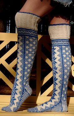 Ravelry:  Norwegian Socks with Selbu Star, by pencilinthepines.