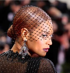 50 Inspiring Beyonce Hairstyles & Incredible Colors