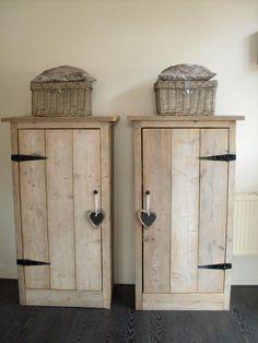 Foto: Leuke wijnkasten, ook goed zelf te maken van steigerhout. Geplaatst door EvelineDesign op Welke.nl