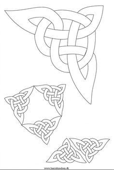 from Viking – inspirerede skabeloner Viking Symbol, Art Viking, Viking Dragon, Viking Designs, Celtic Knot Designs, Celtic Symbols, Celtic Art, Viking Embroidery, Machine Embroidery