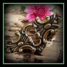 Keyholes antique brass ornamental plates by MermaidTreasures, $3.95