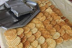 Nassolda - Page 73 of 104 - Nacho Chips, Savory Pastry, Good Food, Yummy Food, Romanian Food, Salty Snacks, Hungarian Recipes, Baking And Pastry, Waffle Iron