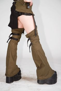 How about a simple utility belt with garters and matching leggings. I love this look! Cool Outfits, Fashion Outfits, Womens Fashion, Mode Alternative, Burning Man Fashion, Steampunk Costume, Drawing Clothes, Character Outfits, Dark Fashion
