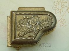 Small vintage piano shaped jewelry box for doll. Now available in my Ruby Lane shop: Kim's Doll Gems