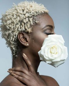 There is strength in your softness. Divine beauty in your humanness. A gentle intensity in your fire. Your heart force helps propel our… Short Grey Hair, Short Blonde, Short Hair Cuts, Blonde Hair, Blonde Twa, Natural Hair Cuts, Natural Hair Styles, Twa Hairstyles, Twa Haircuts