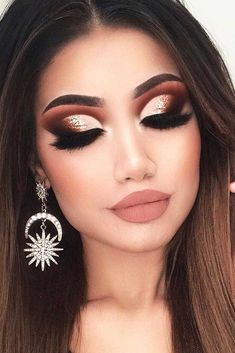 33 Best Winter Makeup Looks for the Holiday Season ★ Amazing Winter Makeup Ideas picture 3 ★ See more: http://glaminati.com/best-winter-makeup-looks-holiday/ #makeup #makeuplover #makeupjunkie #wintermakeup