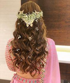 Hair Scarf Styles, Long Hair Styles, Types Of Buns, Bride And Son, Desi Wedding Decor, Bridal Hair Buns, Indian Wedding Hairstyles, Types Of Flowers, Scarf Hairstyles