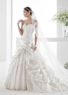 Meraviglioso Abito da Sposa collezione JOLIES 2014, Nicole Spose