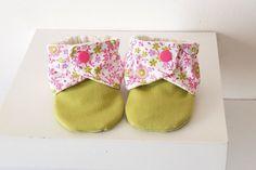 """Chaussons souples bébé fille """"printemps"""", 9 mois. : Mode Bébé par hazaliwa"""