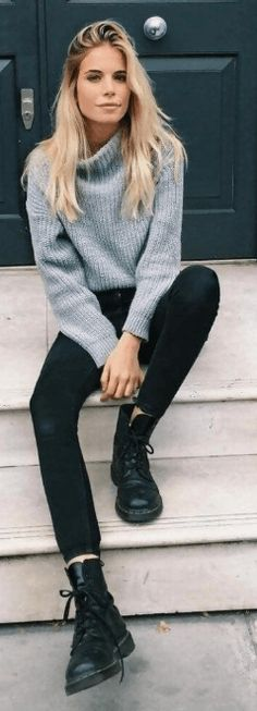 Casual Fall Outfits Women Here are some of the best casual outfits ideas for fall compiled together for you. Choose the one which suits best to your personal style and don't be afraid to experiment with them and making them more pretty and glamorous. Dressy Fall Outfits, Summer Outfits Women 20s, Autumn Fashion Women Fall Outfits, Fall Outfits For Work, Summer Fashion Outfits, Winter Fashion, Womens Fashion, Legging Outfits, Outdoor Girl