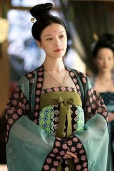 Dynasty Clothing, Chinese Kimono, Space Girl, Chinese Clothing, Chinese Culture, Historical Costume, Hanfu, Chinese Style, Costumes For Women