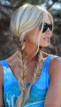 This is perfect Tamara! Thank you! {BIKE STYLE: 12 helmet friendly hairstyles}   The Sweet Escape