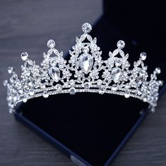Silver Alloy Hair Jewelry Wedding Crowns and Tiaras 2018 Crystal Rhinestone  Headbands Headpieces Bridal Accessories For 262900ba2db3