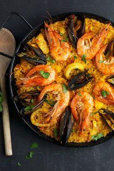 Paella with mussels and shrimps- Paella mit Miesmuscheln und Garnelen Paella with mussels and shrimps - pasta rezept healthy pasta recipes Shrimp Fettuccine, Shrimp Pasta, Seafood Bisque, Cooking Recipes, Healthy Recipes, Healthy Foods, Shrimp Recipes, Italian Recipes, Food Porn