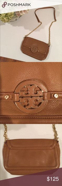 "Tory Burch Tan Leather Crossbody Bag Tory Burch tan leather crossbody bag with gold chain strap. Great condition.  About a 22"" drop from shoulder Tory Burch Bags Crossbody Bags"