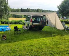 DIY camper! I tested this out at home but the small poles didn't handle the winds in Norway that we'll so they snapped #LandRover #Discovery #disco #Landy #offroad #beautiful #turbo #turbodiesel #diesel #Sweden #nature #travel #Defender #serieslandrover #landroverseries #landroverdefender #overland #explore #4x4 #camping #RangeRover #summer #journey #awesome #snow #life #roadtrip #icon #original by td5adventures DIY camper! I tested this out at home but the small poles didn't handle the…