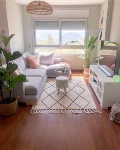 70 wonderful ideas for living room design - ChecoPie Tiny Living Rooms, Small Apartment Living, Living Room Decor Cozy, Home Living Room, Small Living Room Designs, Living Room Decor Ideas Apartment, Narrow Living Room, Apartment Ideas, First Apartment Decorating
