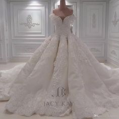 Luxury Ball Gown Arabic Wedding Dresses Off Shoulder 3D-Floral Appliques Lace Bridal Gowns Cathedral Train Plus Size Lace Wedding Dress