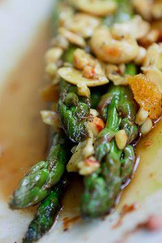 Orangen-Spargel-Salat mit Nüssen