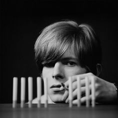 Never-Before-Seen Photos Of 20-Year-Old David Bowie Posing For His Debut Album Cover | Bored Panda
