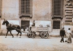 Foto storiche di Roma - Carretto Birra Peroni in una strada del centro storico Anno: Inizio '900