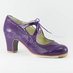Zapato profesional de flamenco Modelo Candor serpiente morada Begoña Cervera