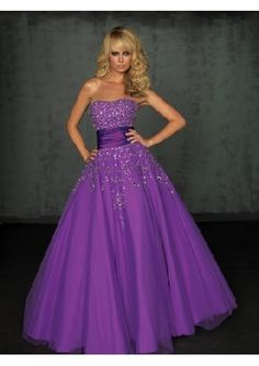 Don't like poofy dresses but this us pretty