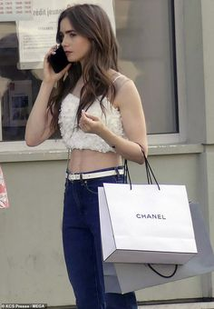 On The Phone – Lily Collins Lovage Celebrities With Brown Hair, Chanel, Gabriela Montez, Lily Collins Style, Lily Collins Hair, Paris Outfits, Phil Collins, Mode Streetwear, Gossip Girl