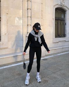 Sporty Outfits, Mode Outfits, Cute Casual Outfits, Stylish Outfits, Vest Outfits, Simple Outfits, Winter Fashion Outfits, Look Fashion, Spring Outfits
