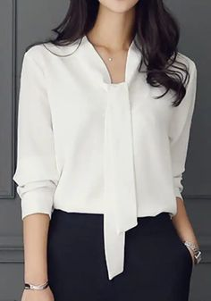 design of blouse sleeves - design of blouse ; design of blouse patterns ; design of blouse back ; design of blouse indian weddings ; design of blouse sleeves Office Outfits Women, Casual Work Outfits, Mode Outfits, Classy Outfits, Fashion Outfits, Fashion Clothes, Fashion Ideas, Fashion Tips, Blouse Outfit