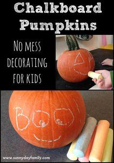 Fun no carve pumpkin decorating idea for kids! Easy pumpkin decorating idea for toddlers using chalkboard paint and chalk.