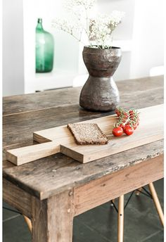 ... wooden cutting board raumgestalt ...