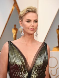 Oscars 2017: The Jewels That Rocked The Red Carpet.  The Oscars Red Carpet shined like white, hot light as nominees, presenters and fashion icons were overwhelmingly adorned in white diamonds paired with white metals.   http://www.forbes.com/sites/anthonydemarco/2017/02/26/oscars-2017-the-jewels-that-rocked-the-red-carpet/  #NatalieDiamonds #oscar2017 #oscarjewels