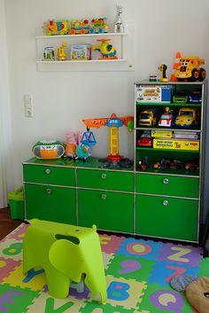 USM Haller Kinderzimmer   Sideboard In Grün Mit Schubladen