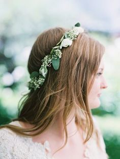 natural eucalyptus flower crown for bride. Photo by Lavender and Twine! Perfect wedding flowers for summer!