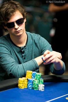 Nuori Pole on tullut aivan tyhjästä tullut yksi kuumimmista ominaisuuksia pokerissa vuonna 2014.  Hän aloitti vuonna yllättävät kaikille, kun hän kukisti Mike McDonald heads-up toimiin se ryhtyy $ 1.4m ensimmäisen palkinnon 10,300 dollaria PCA Main Event.