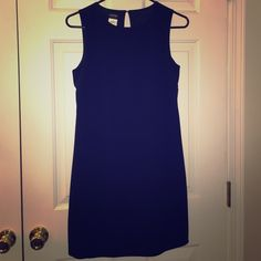 LBD, size 7/8 Simple and sophisticated. Little black dress. This dress can be dressed up or down and look great either way. Side zipper. Fully lined. ESPRIT Dresses