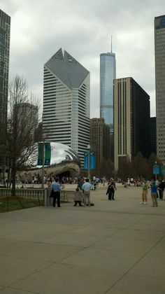 Millennium Park/Michigan Avenue Chicago. - worked in this building on Michigan Ave. for years.