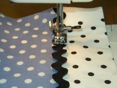 Dori's version of the Pillowcase Dress. - Pinching Your Pennies Forums.good way to make tiered dress Sewing Hacks, Sewing Tutorials, Sewing Projects, Sewing Patterns, Sewing Tips, Sewing Ideas, Rick Rack, Sewing For Kids, Baby Sewing