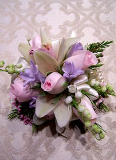 Wedding Corsages For Mothers | ... to acknowledge the important friends and family in your wedding