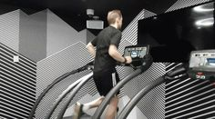 Running man of tech: The tech to take on one of America's toughest races -> http://www.techradar.com/1326780  The tech to take on America's toughest races  I'm terrified.  I'm on a plane constantly checking my oxygen saturation levels on the back of the Galaxy Note 7 seeing how the lower pressure of the plane is affecting my blood.  You see I did something stupid. I signed up for a race in Colorado - the Pike's Peak Ascent - that would see me running up the side of a mountain.  I watched a…