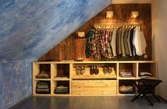 walking closet for Him | vestidor en buhardilla