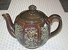 Redware Japan Moriage Design Tea Pot