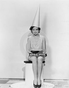 The dunce cap the dunce cap pinterest to be schools for Dunce hat template