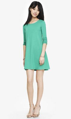LONG SLEEVE ZIP BACK TRAPEZE DRESS - GREEN | Express